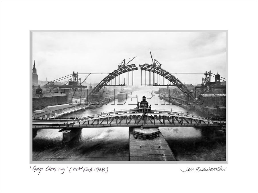 Gap Closing Tyne Bridge 1928 - Mounted Fine Art Print