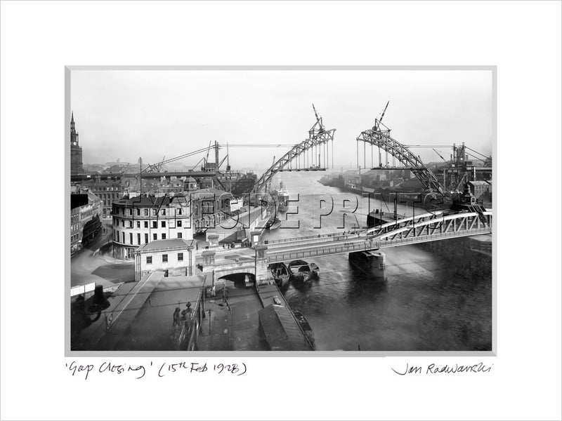 Gap Closing Tyne Bridge Newcastle Quayside 1928 - Mounted Fine Art Print