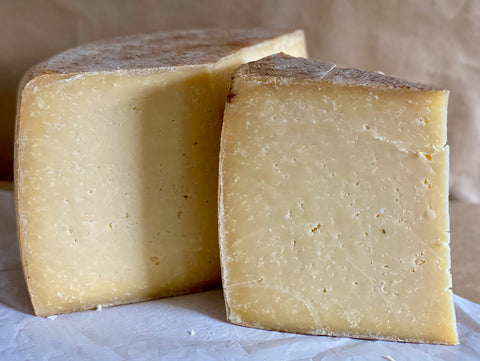 St Andrews Farmhouse Cheddar, 250g
