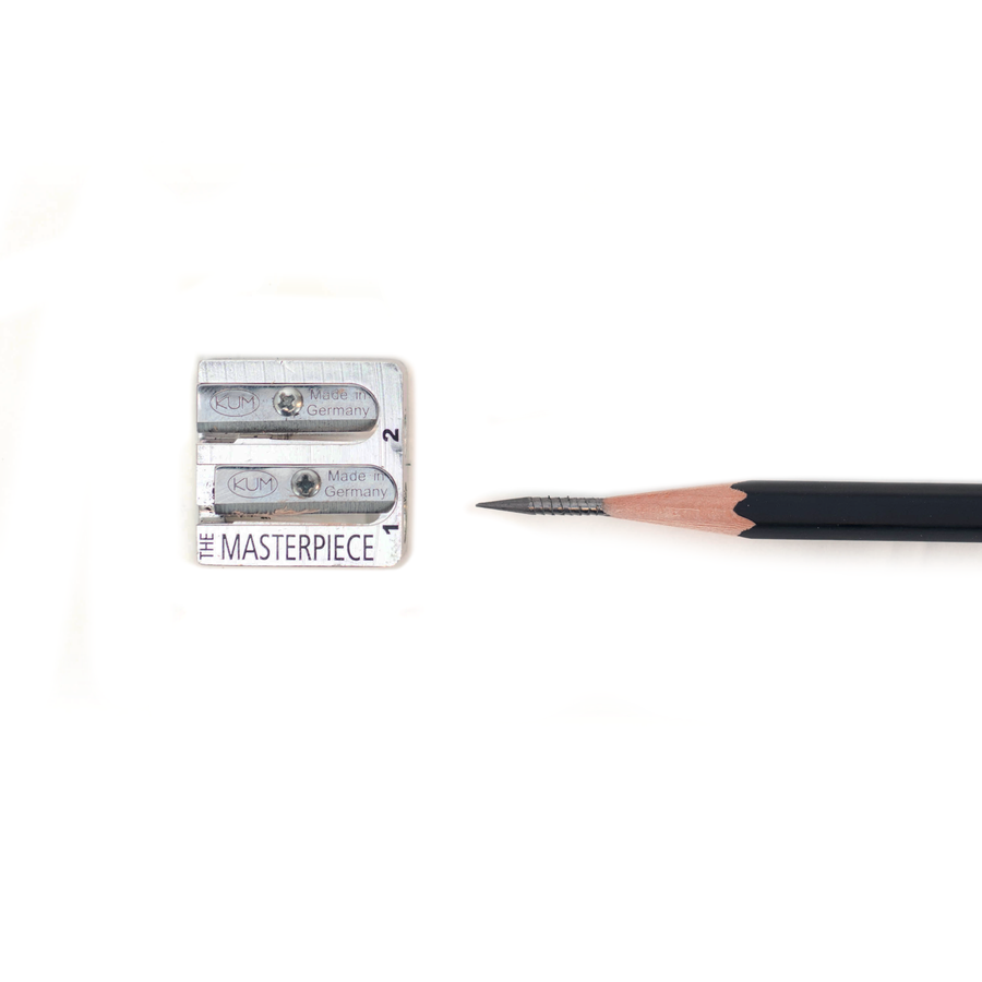 Remove automatic break on the KUM Masterpiece Sharpener to expose the graphite.