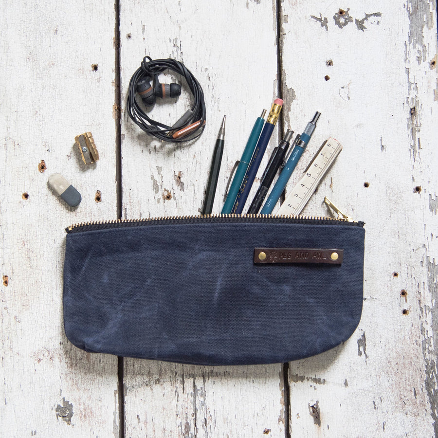 Peg and Awl Medium Pouch - Rook