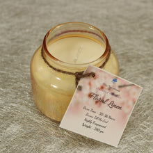 Load image into Gallery viewer, Aroma Candles Floral Linen