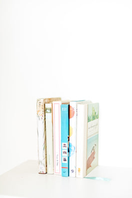 stack of books, light and airy, beautiful pastels, tografy, kara hubbard, business coach, help, marketing, pinterest help, instagram, email templates