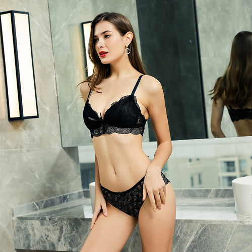 Women Lace Non Wired Triangle Cups Bra and Panty Set