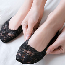 Load image into Gallery viewer, Pack of 3 Lace No Show Socks For Women