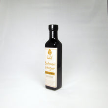 Load image into Gallery viewer, Cranberry Walnut 25 Star Dark Balsamic Vinegar
