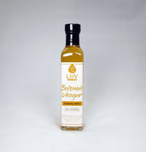 Load image into Gallery viewer, Cranberry Walnut 25 Star White Balsamic Vinegar