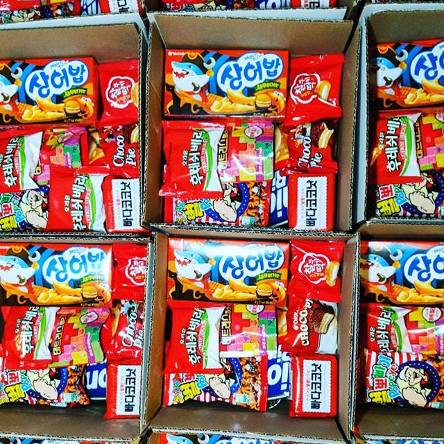 seoul box classic packs of korean snack box
