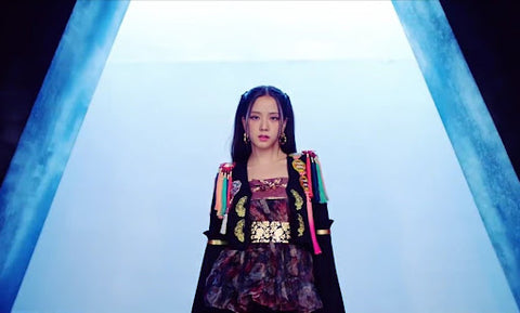 How you like that Jisoo Outfit