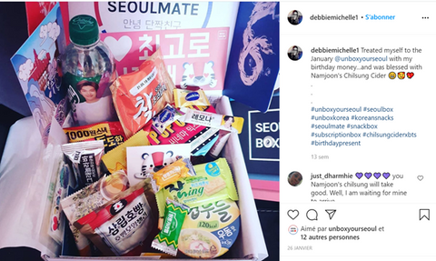 Happy Seoulmate with her SeoulBox!