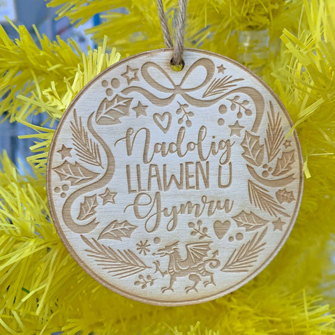 Decoration - Wooden - Nadolig Llawen O Gymru / Merry Christmas from Wales