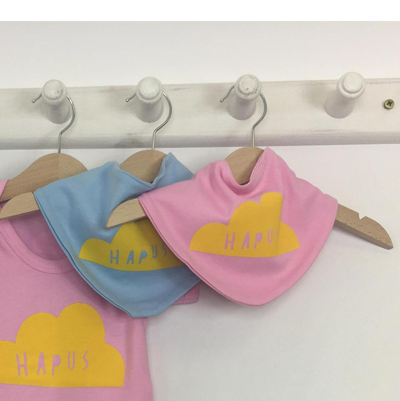 Baby Bib - Welsh - Hapus / Bychan-The Welsh Gift Shop