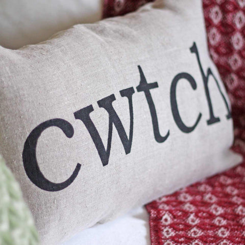 Cushion Cover - Welsh - Cwtch - Linen-Pillow-The Welsh Gift Shop