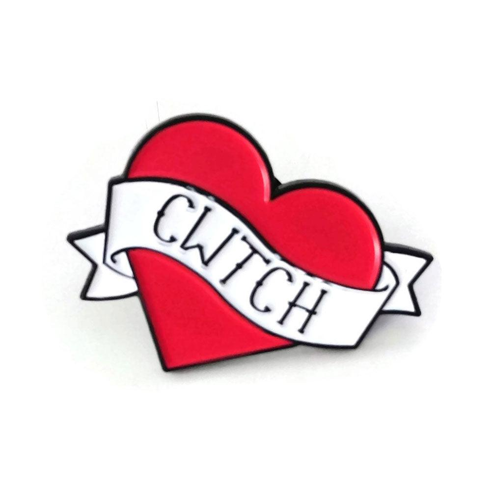 Brooch / Badge / Pin  - Enamel - Heart - Cwtch / Cuddle
