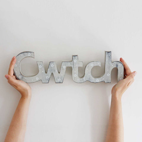 Decoration - Wood - Cwtch / Cuddle-The Welsh Gift Shop