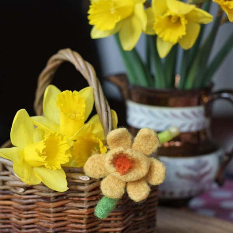 Badge / Brooch - Wool Daffodil