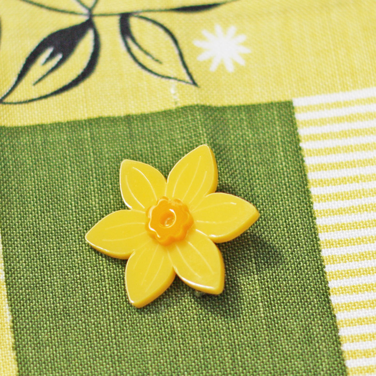 Brooch / Pin - Welsh Daffodil - Acrylic