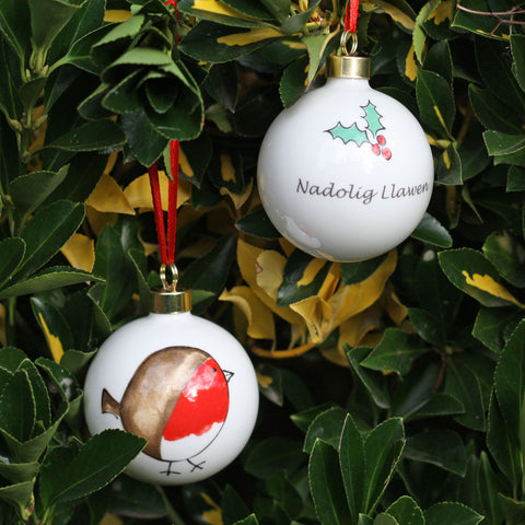 Christmas Bauble / Decoration - Cheeky Robin - Nadolig Llawen-The Welsh Gift Shop