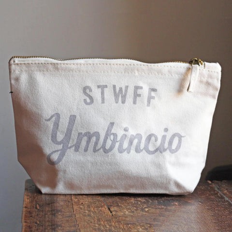 Zipped Bag / Large Purse - Stwff Ymbincio - Grooming Stuff