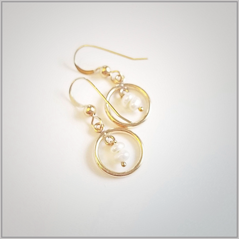 Round Freshwater Pearl Dangle