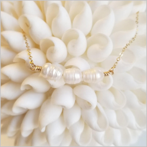Natural Elegant Freshwater Pearl Necklace