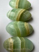 Load image into Gallery viewer, Pistachio Calcite Palmstones