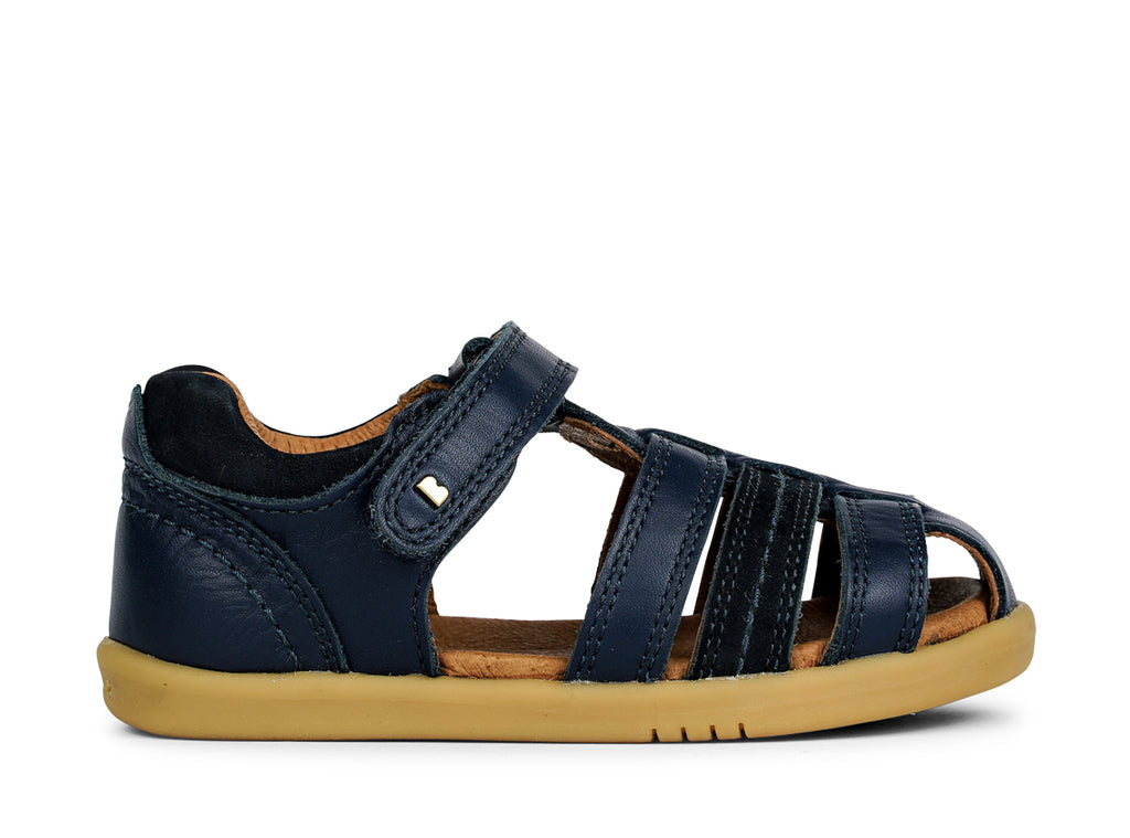 bobux i walk roam sandal in navy quickdry leather