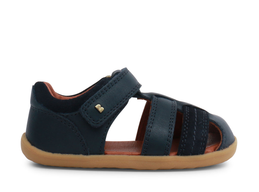 bobux step up roam sandal in navy quickdry leather