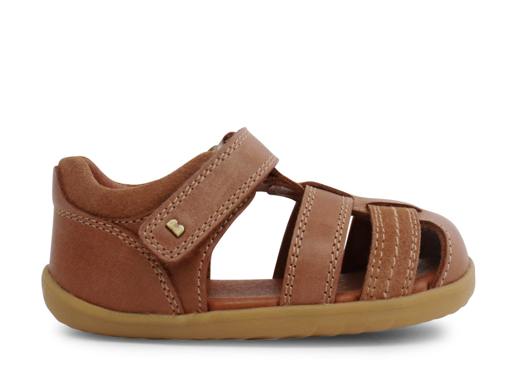 bobux step up roam sandal in caramel quickdry leather
