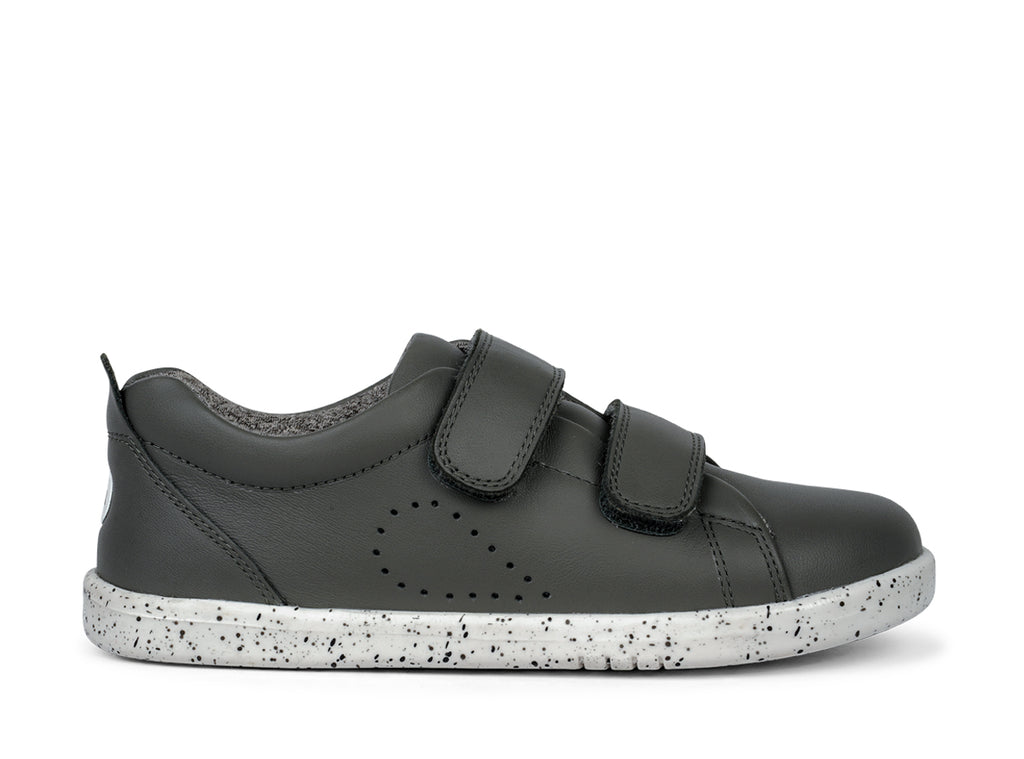 bobux kid plus leather sneaker grass court in smoke grey