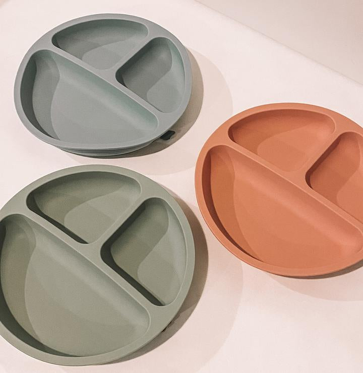 petite eats silicone suction plate in dusty coral