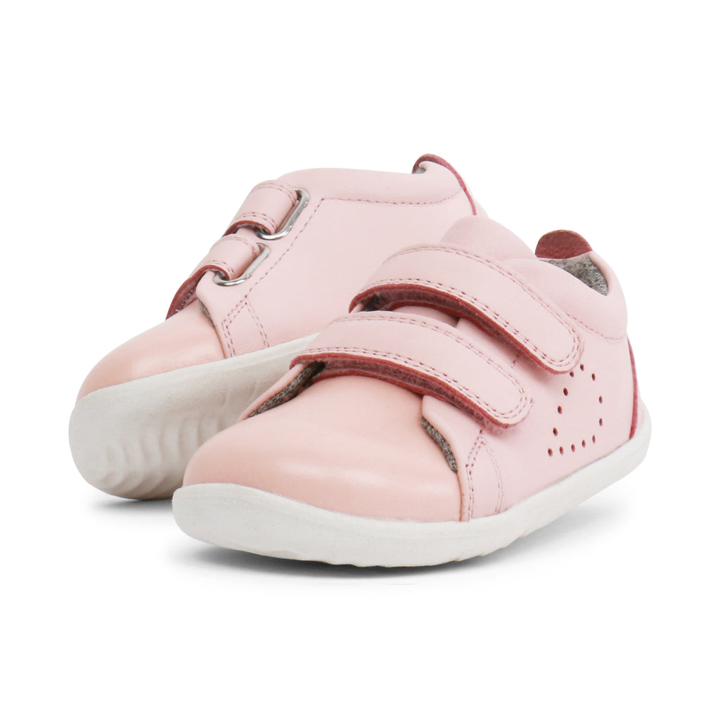 bobux step up grass court sneaker in seashell pink