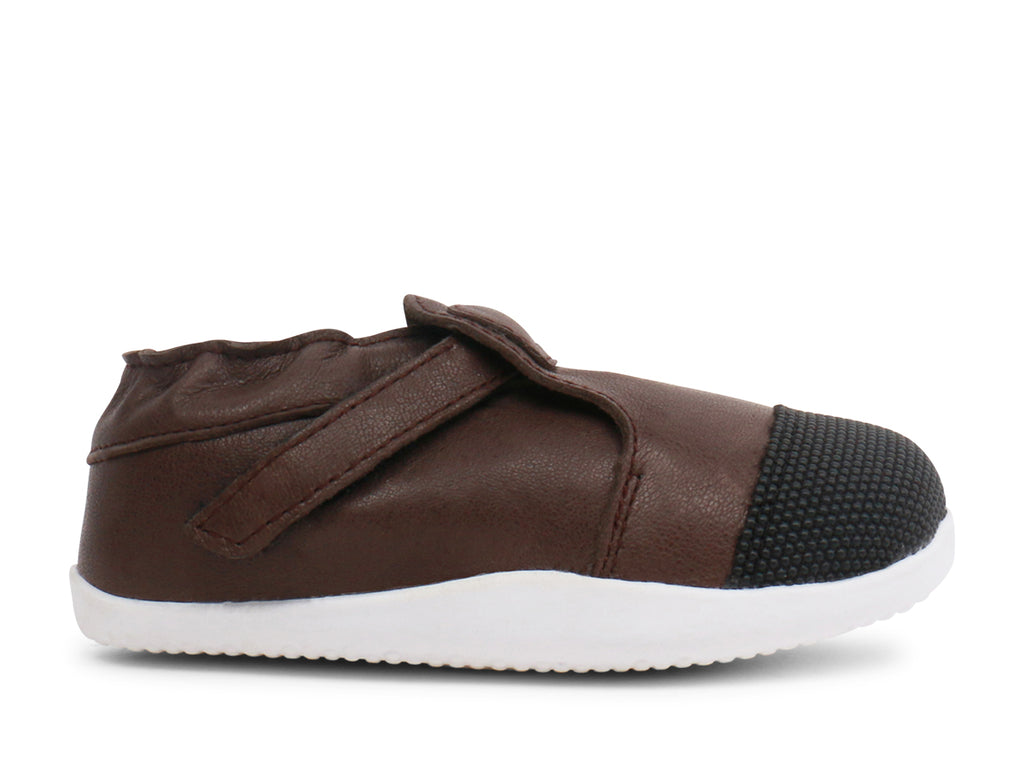 bobux xplorer shoe in mocha