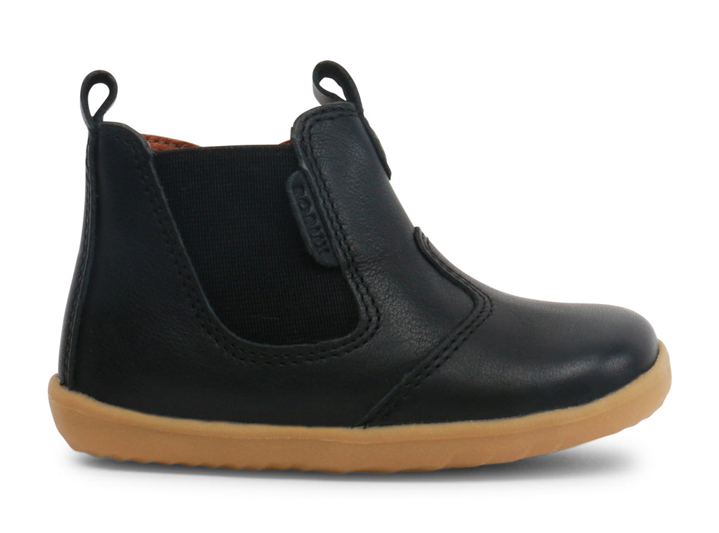 bobux step up leather ankle boot in black