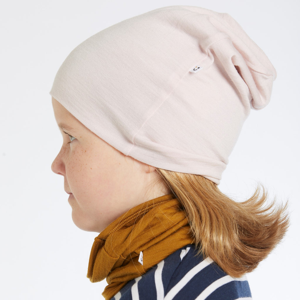 mello merino slouch hat in powder pink