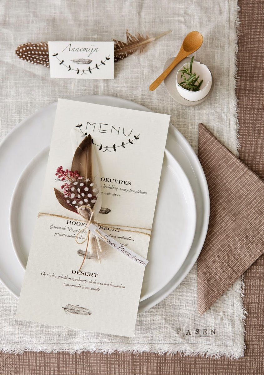 stijlbloem_-_easter_place_setting_with_feather.jpg