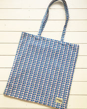 Giant Tote Bag in Checkers and Deckers print