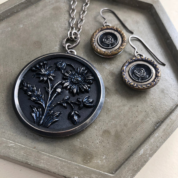 antique button jewelry