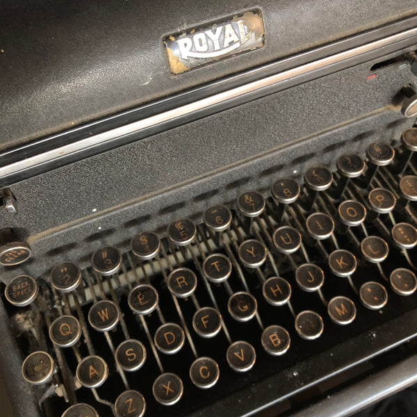 vintage antique royal typewriter in working order