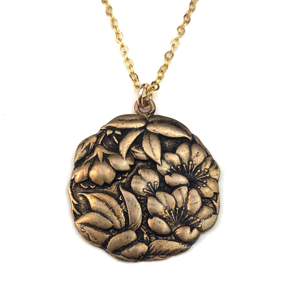 CAMELLIA Vintage Charm Necklace - GOLD