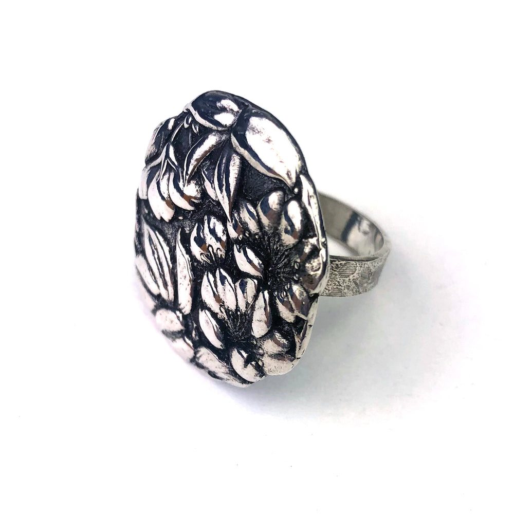 CAMELLIA Meiji Antique Button Ring - Silver