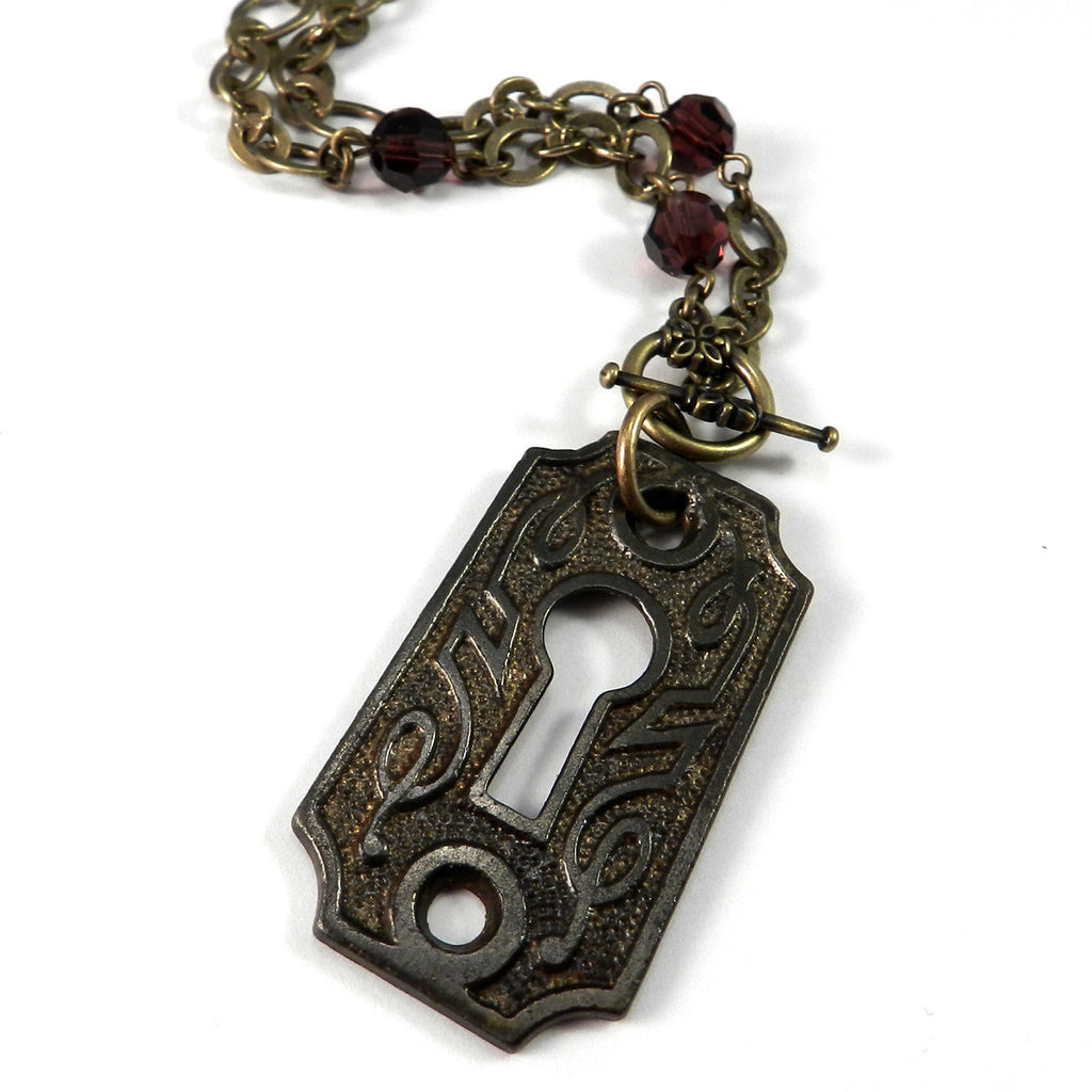 Dublin Celtic Keyhole Necklace - Burgundy Crystal
