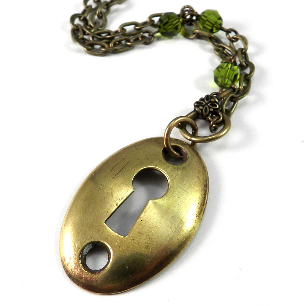 Madrid Antique Keyhole Necklace - Olive Green Crystal