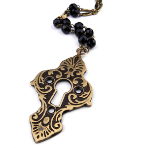 Medina Antique Keyhole Necklace - Black Crystal