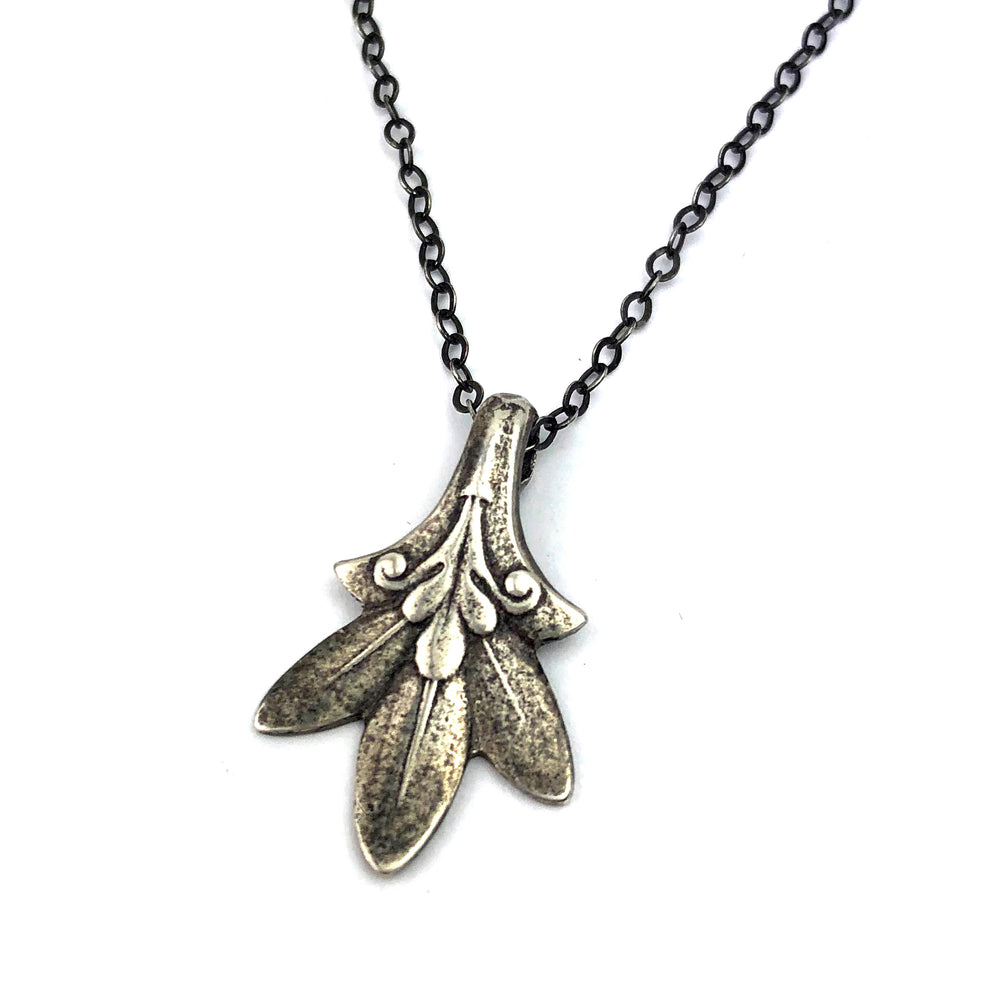 TRILLIUM Vintage Teaspoon Necklace - SILVER