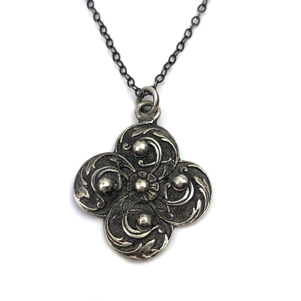 WINDS OF CHANGE Vintage Button Necklace - SILVER