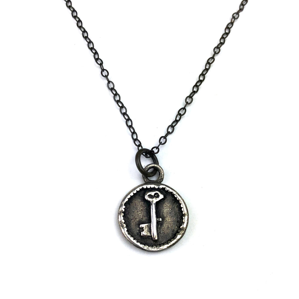 SKELETON KEY Vintage Charm Necklace - SILVER