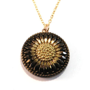 SUNFLOWER SHADOW Vintage Button Necklace - Gold