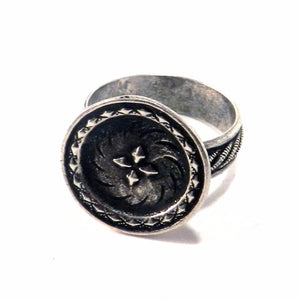 DIRECTIONS Antique Button Ring - SILVER