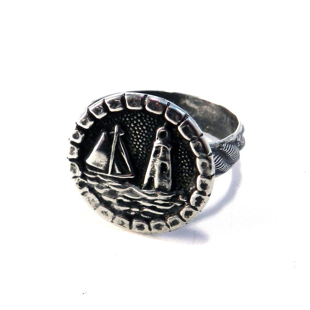 LIGHTHOUSE Antique Button Ring - SILVER